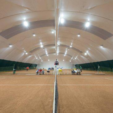 Iluminarea LED a baloanelor pentru terenurile de tenis
