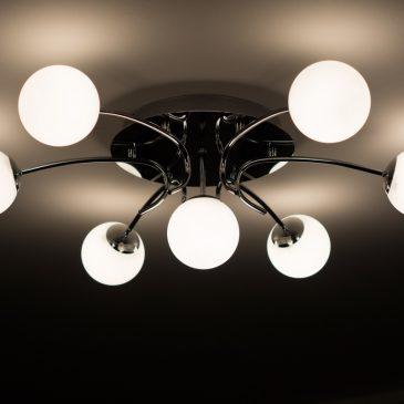 Lămpi cu LED vs. lămpi cu incandescență și lămpi fluorescente